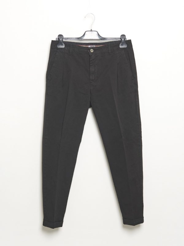 Black chino trousers with pinces for Men - Stilosophy Industry