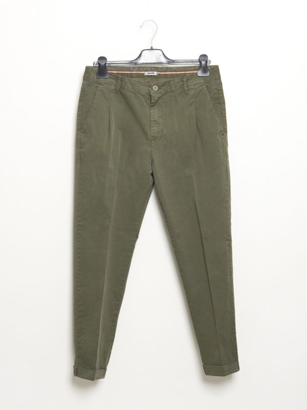 Military green chino trousers with pleats for Men - Stilosophy Industry
